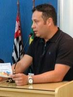 Câmara cede tribuna para diretor municipal de Indústria e Comércio convidar e informar sobre cursos de qualificação profissional