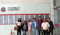 Estudantes e educador de Ibiúna conhecem a Assembleia Legislativa, local de trabalho dos deputados estaduais